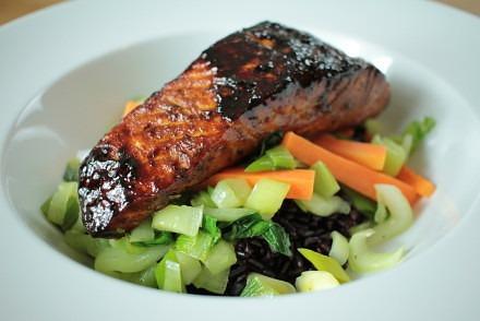Blackened Salmon with Stir-fried Veg and Black Thai Rice