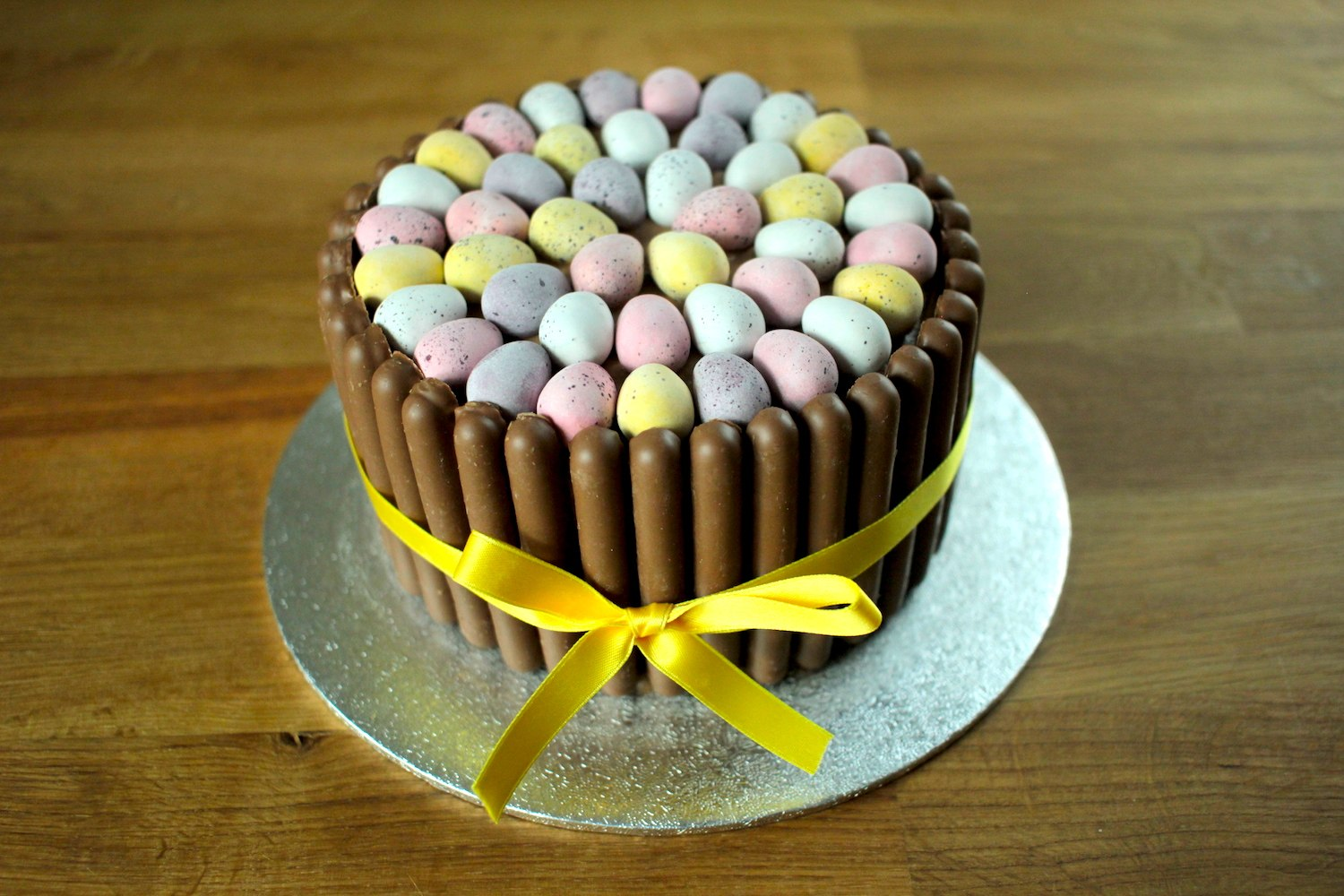Mini Egg Easter Chocolate Cake Recipe - Globe Scoffers | globescoffers.com