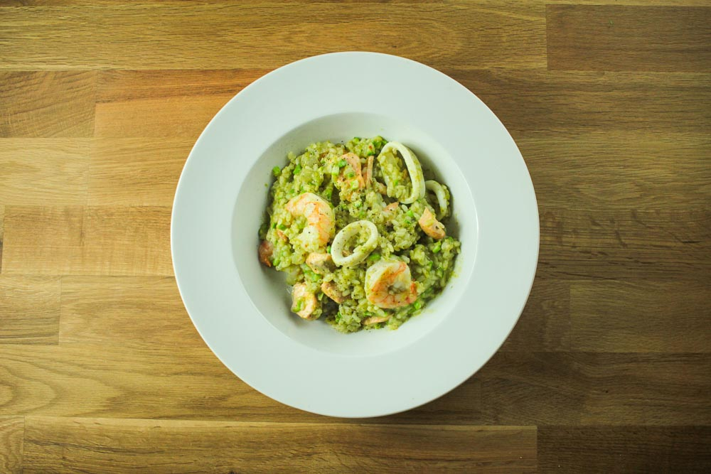 Seafood and raw asparagus risotto-1466