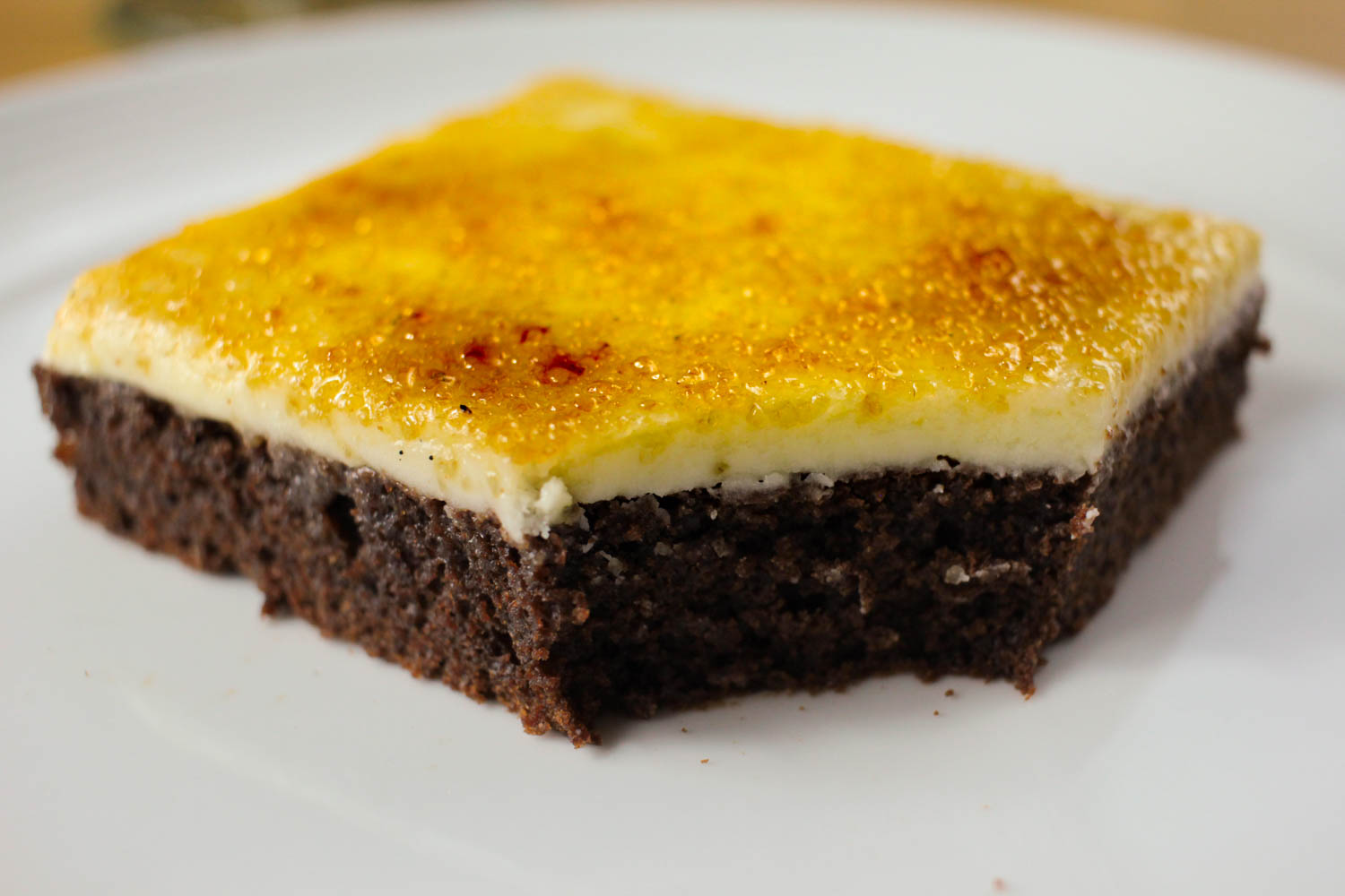 Crème Brûlée Brownies Recipe - Globe Scoffers | globescoffers.com