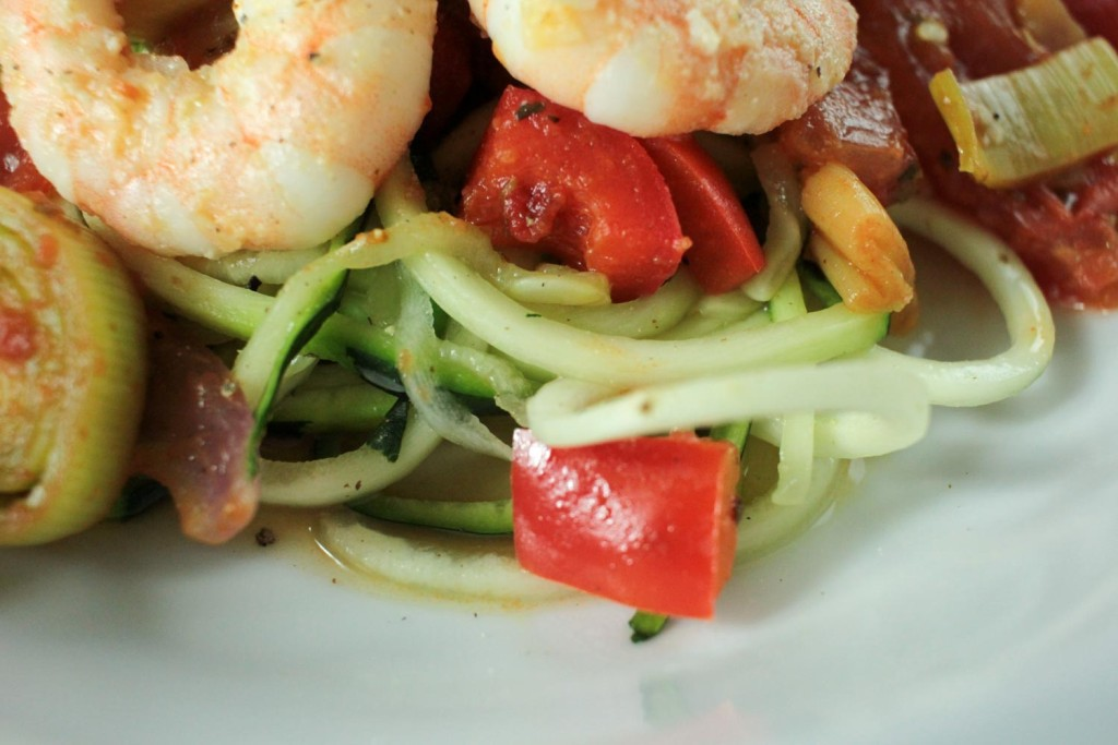 Garlic Prawn and Vegetable Courgetti