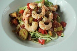 Here's another courgetti dish to try - Garlic Prawn Courgetti