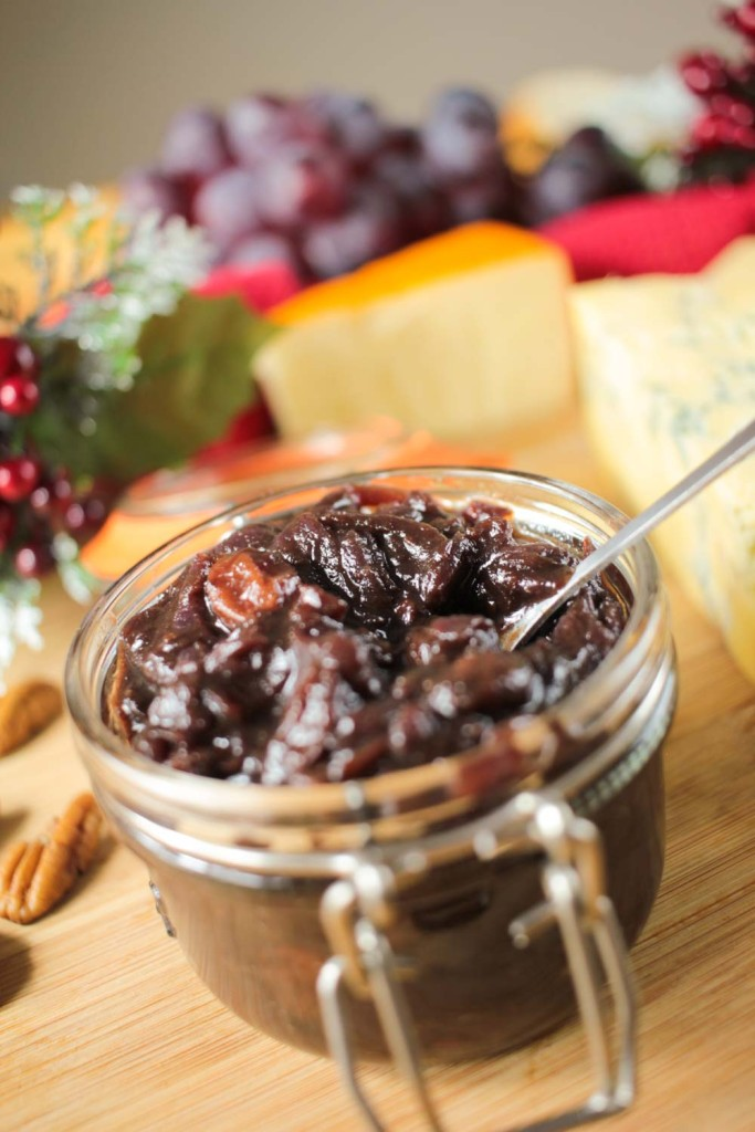 Christmas is on its way, what better time to get organised and make your Christmas chutney! It lasts up to 3 months in the fridge and is also great for a homemade Christmas gift!
