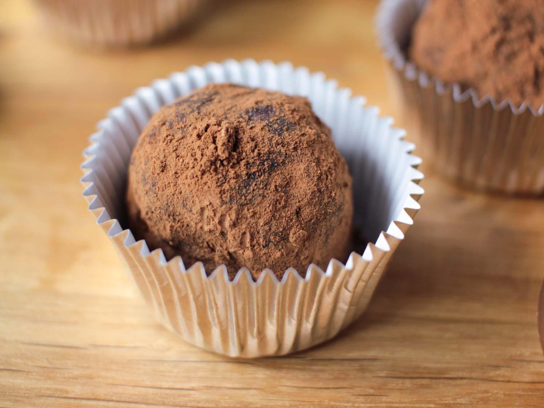 Dark Chocolate Orange Truffles Recipe - Globe Scoffers   globescoffers.com