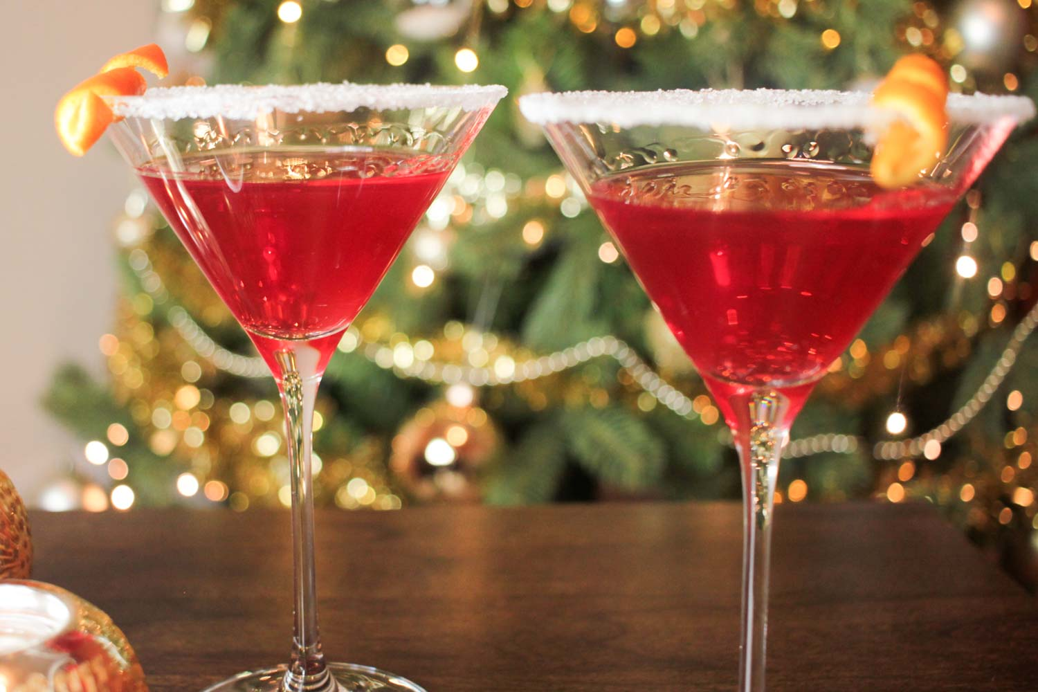 Christmas Martini Recipe - Globe Scoffers