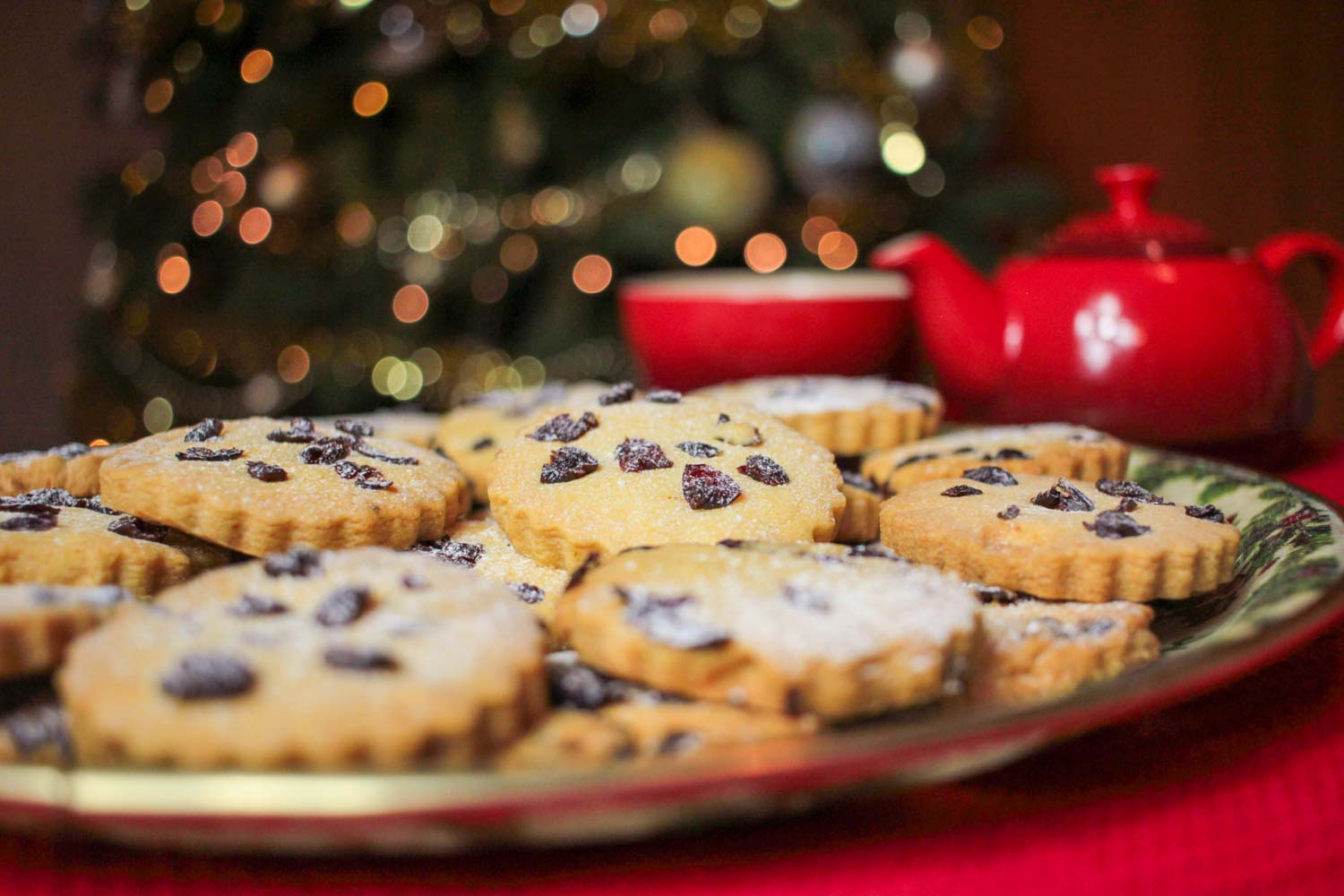Cranberry and Orange Shortbread Recipe - Globe Scoffers | globescoffers.com