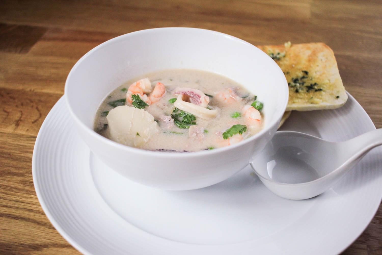 Seafood Chowder Recipe - Globe Scoffers | globescoffers.com