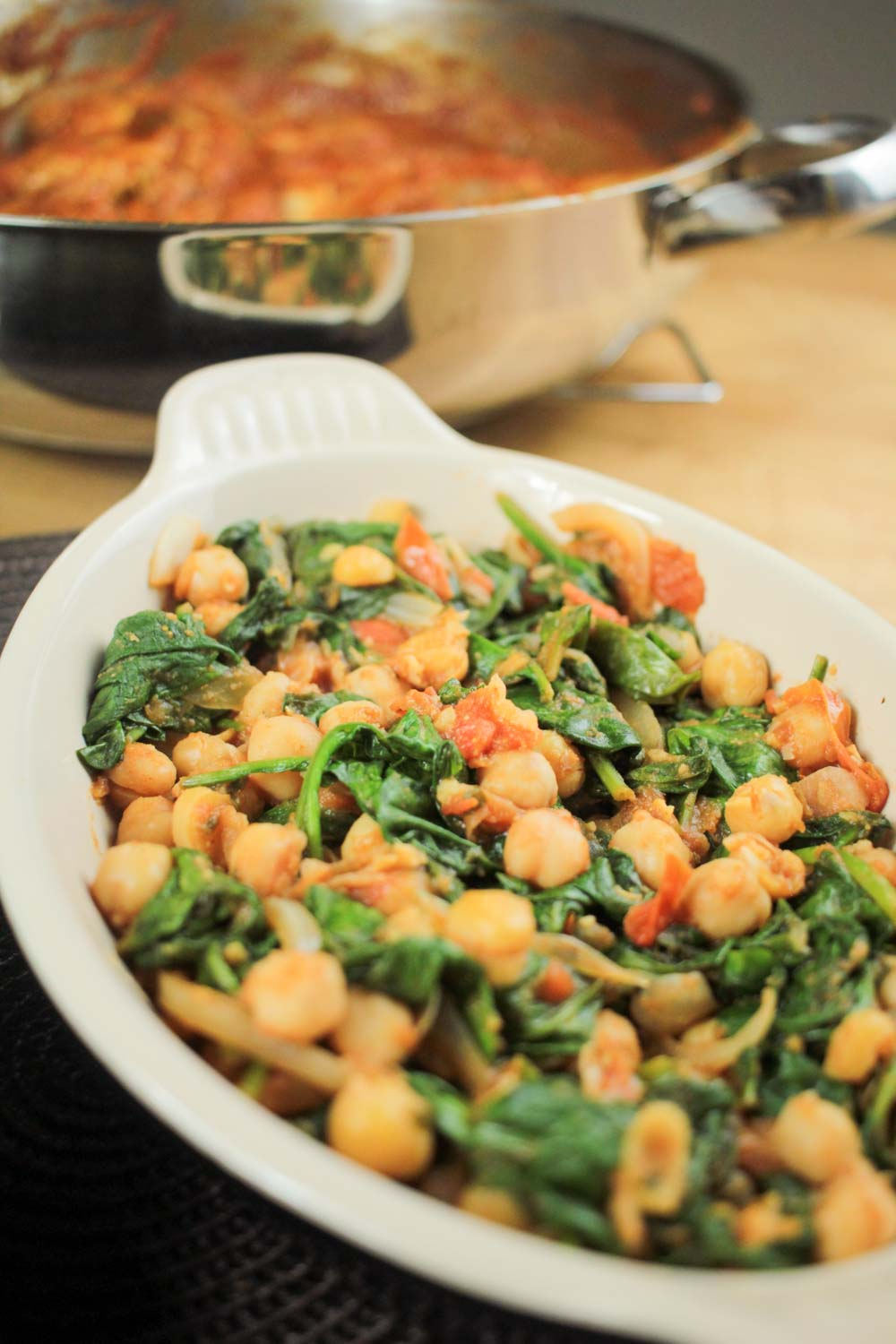 Spicy Chickpeas and Spinach Recipe - Globe Scoffers | globescoffers.com