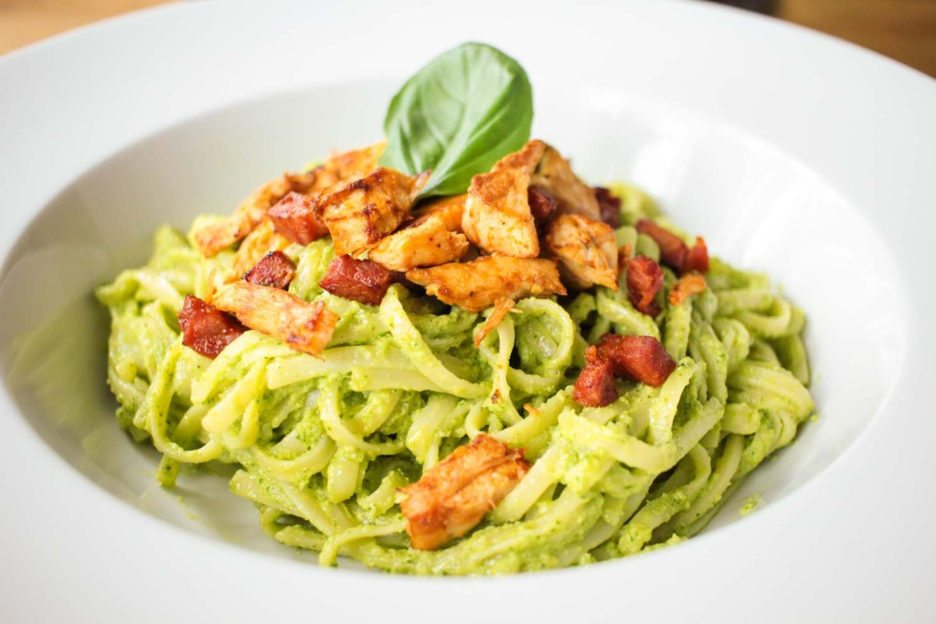 Creamy Avocado Pesto Linguine