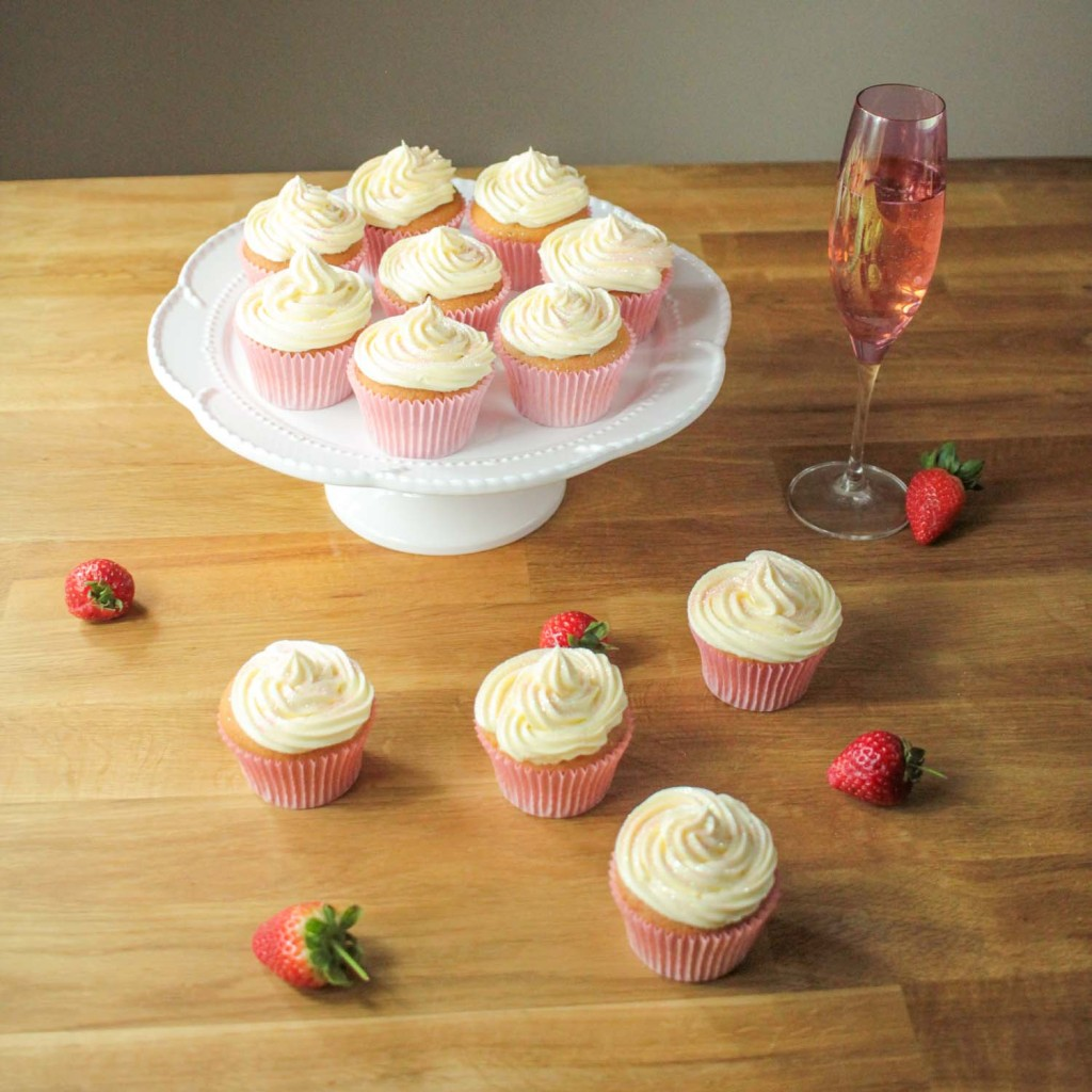Strawberry and Vanilla Cupcakes with Prosecco Frosting-6