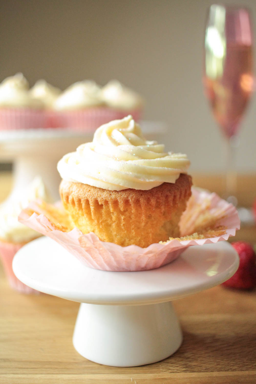 Strawberry and Vanilla Cupcakes with Prosecco Frosting-8 - Globe Scoffers   globescoffers.com