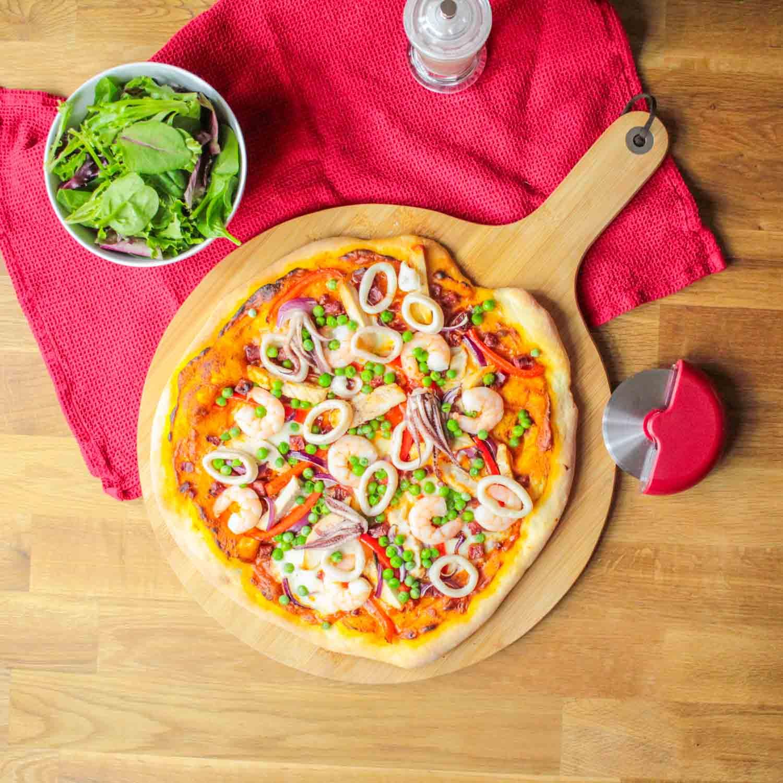 Paella Pizza-3 - Globe Scoffers | globescoffers.com