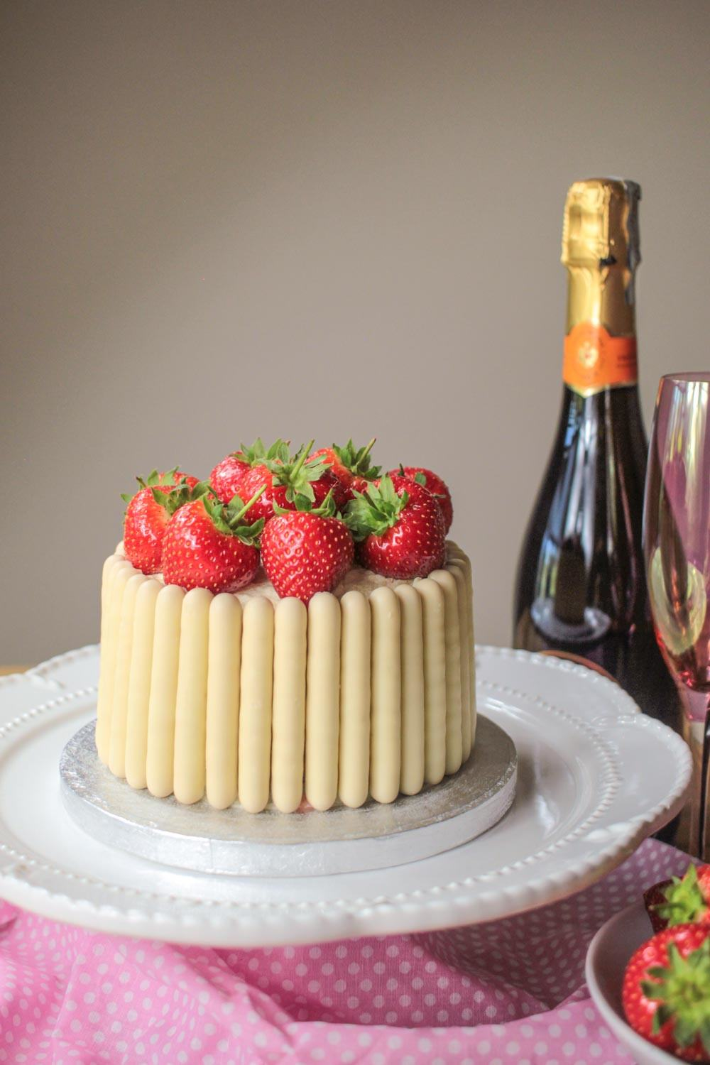 White Chocolate, Strawberry and Prosecco Cake Recipe - Globe Scoffers | globescoffers.com