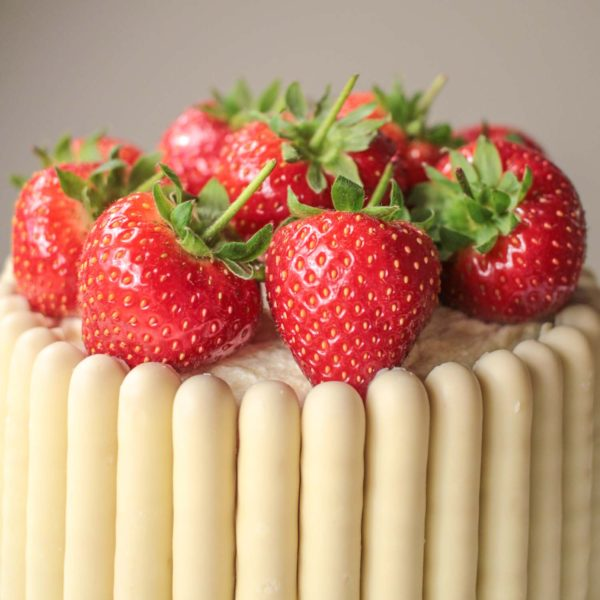 white cake with strawberries white chocolate strawberry and prosecco cake recipe 1308