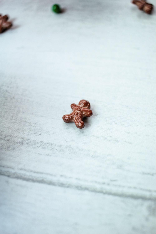 sticky-ginger-christmas-cupcakes-13 - Globe Scoffers | globescoffers.com