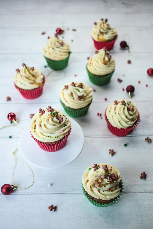 sticky-ginger-christmas-cupcakes-2 - Globe Scoffers   globescoffers.com