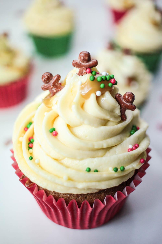 sticky-ginger-christmas-cupcakes-5 - Globe Scoffers   globescoffers.com