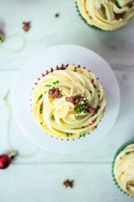 sticky-ginger-christmas-cupcakes-8 - Globe Scoffers | globescoffers.com
