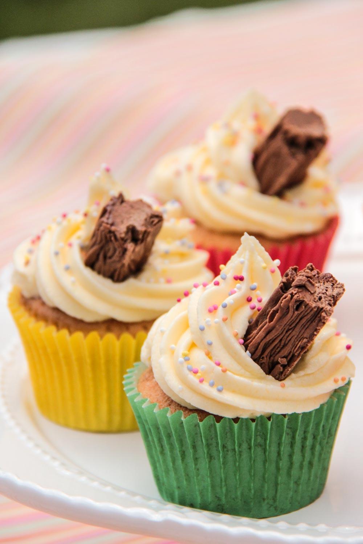 Flake 99 Cupcakes Recipe - Globe Scoffers | globescoffers.com