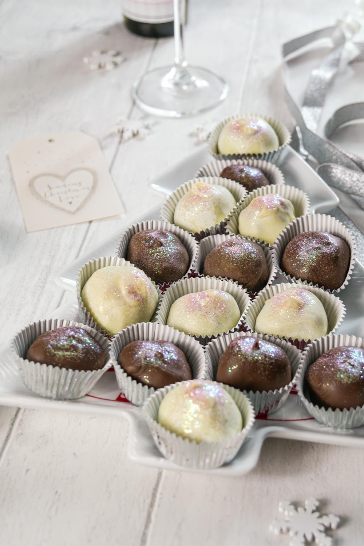 Prosecco Truffles Recipe-14 - Globe Scoffers   globescoffers.com