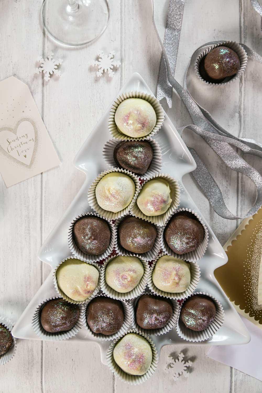 Prosecco Truffles Recipe - Globe Scoffers | globescoffers.com