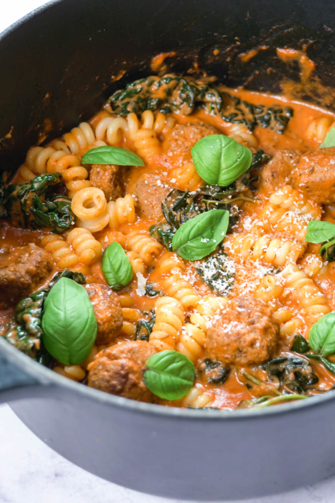 One pot Meatball with Tomato and Mascarpone Pasta